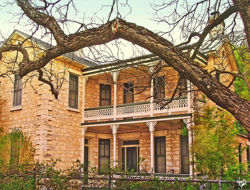 William bierschwale home fredricksburg tx texas for Texas hill country architecture