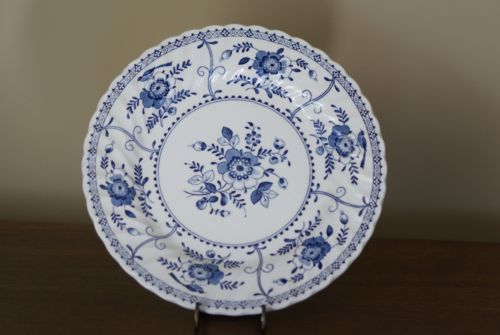 Johnson-Brothers-Indies-Ironstone-10-Inch-Blue-and-. Johnson Brothers ChinaWhite Dinner PlatesGolf ... & Johnson-Brothers-Indies-Ironstone-10-Inch-Blue-and-White-Dinner ...