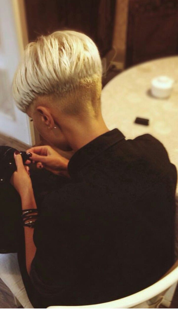Pin by pia therkelsen on kort hår pinterest short hair haircuts