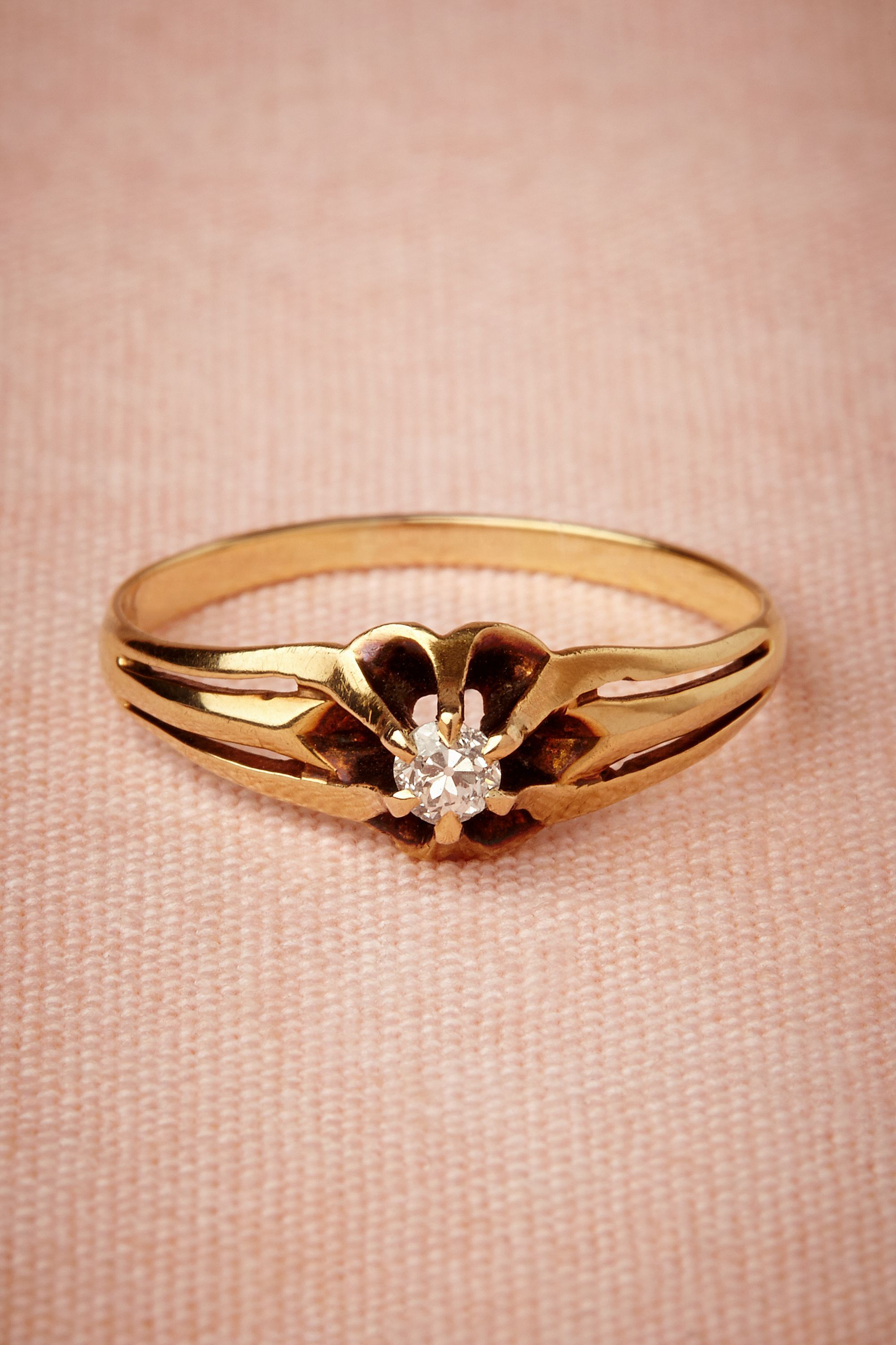 10 fbeat Engagement Rings Perfect For A Valentine s Day Proposal