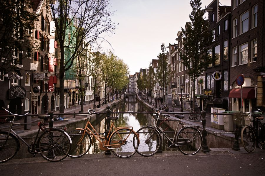Early Morning, Amsterdam