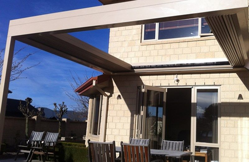 Retractable Roof Louvres NZ | Sliding Roofs | Concertina Louvres