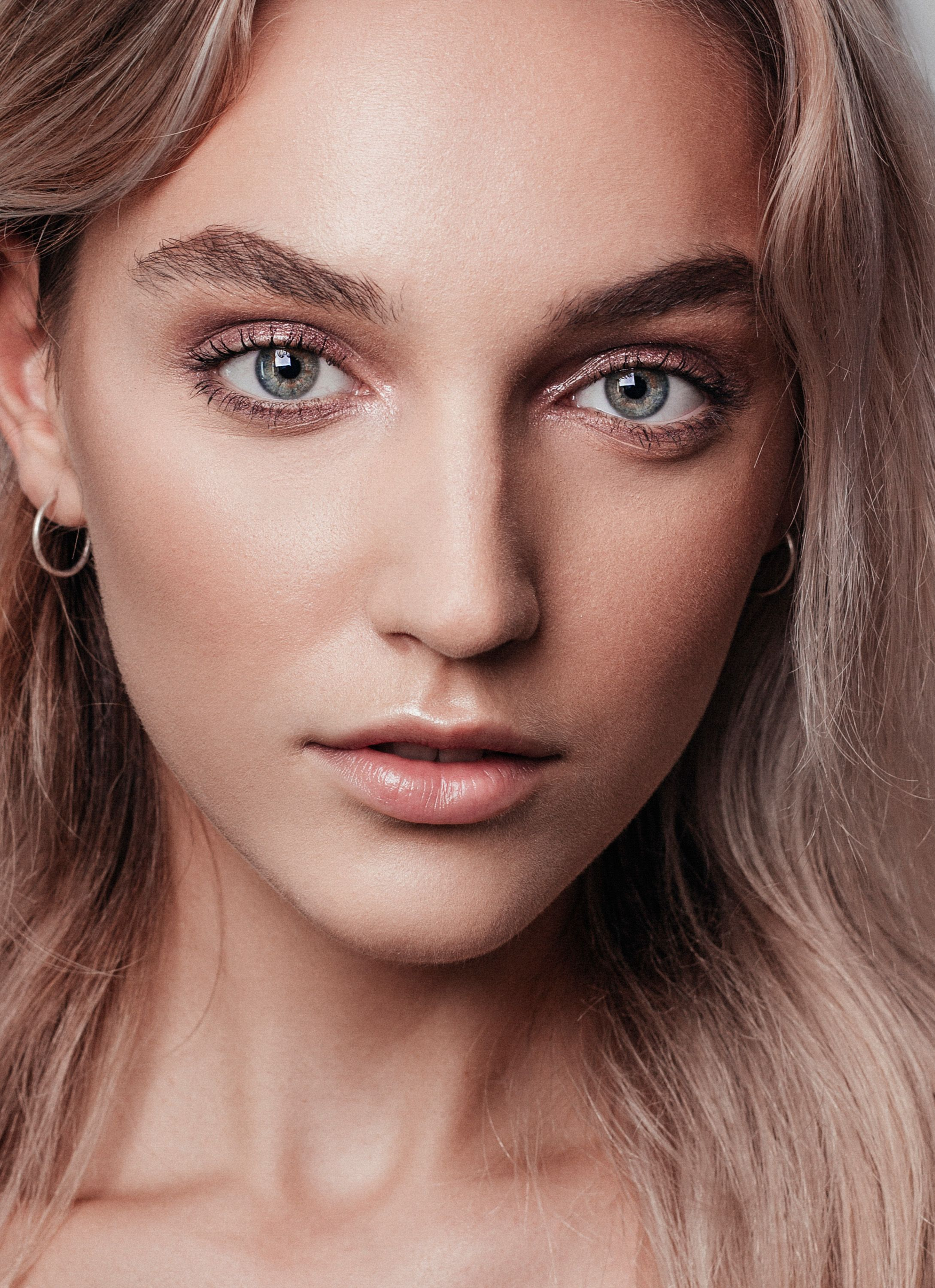 An Elegant Soft Makeup Look Created By Online Makeup Academy For