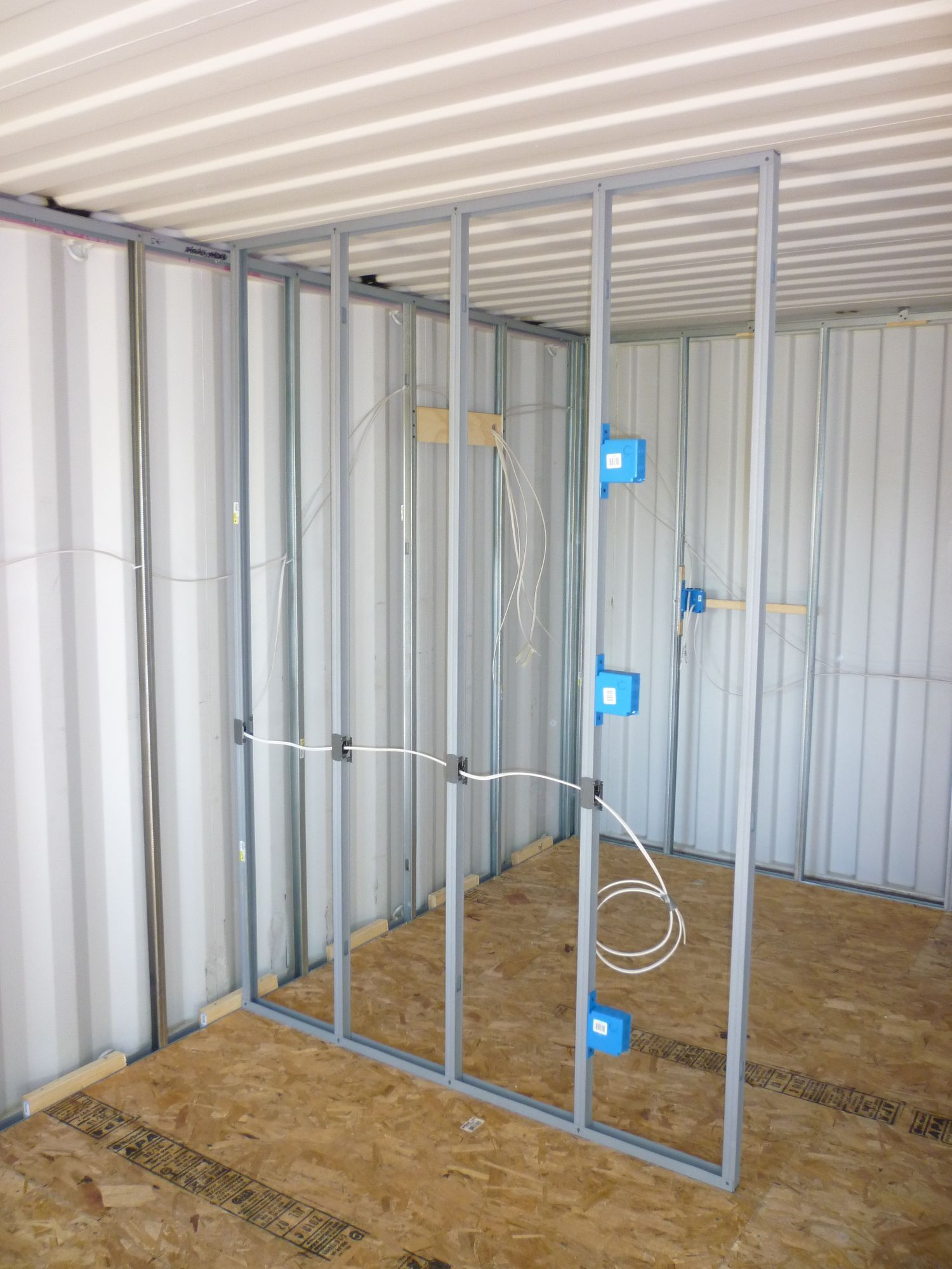 How to build a shipping container cabin i have tried to for Construction container maritime