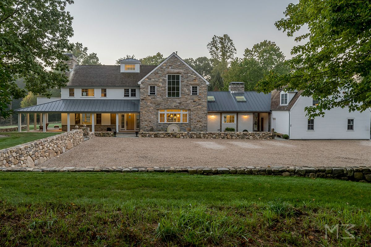 modern farmhouse in connecticut. moger mehrhof architects country