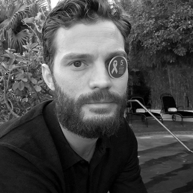 Jamie Dornan in support of putting an end to violence against women, shows his #WhiteRibbon badge. #ChristianGrey #JamieDornan #TeamDornan #FSOG #FSD #FSF #FiftyShades #FiftyShadesOfGrey #FiftyShadesDarker #FiftyShadesFreed