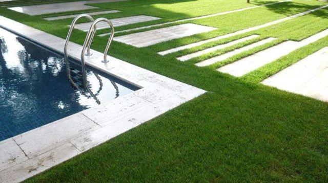 Un Jardin En Pente Douce Avec Images Jardin En Pente Jardins Amenagement Exterieur