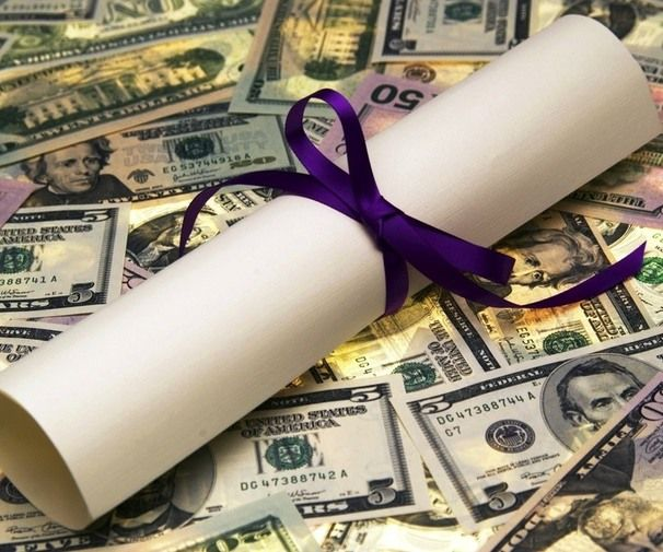 10 Money Mistakes Every College Person Makes After Graduation