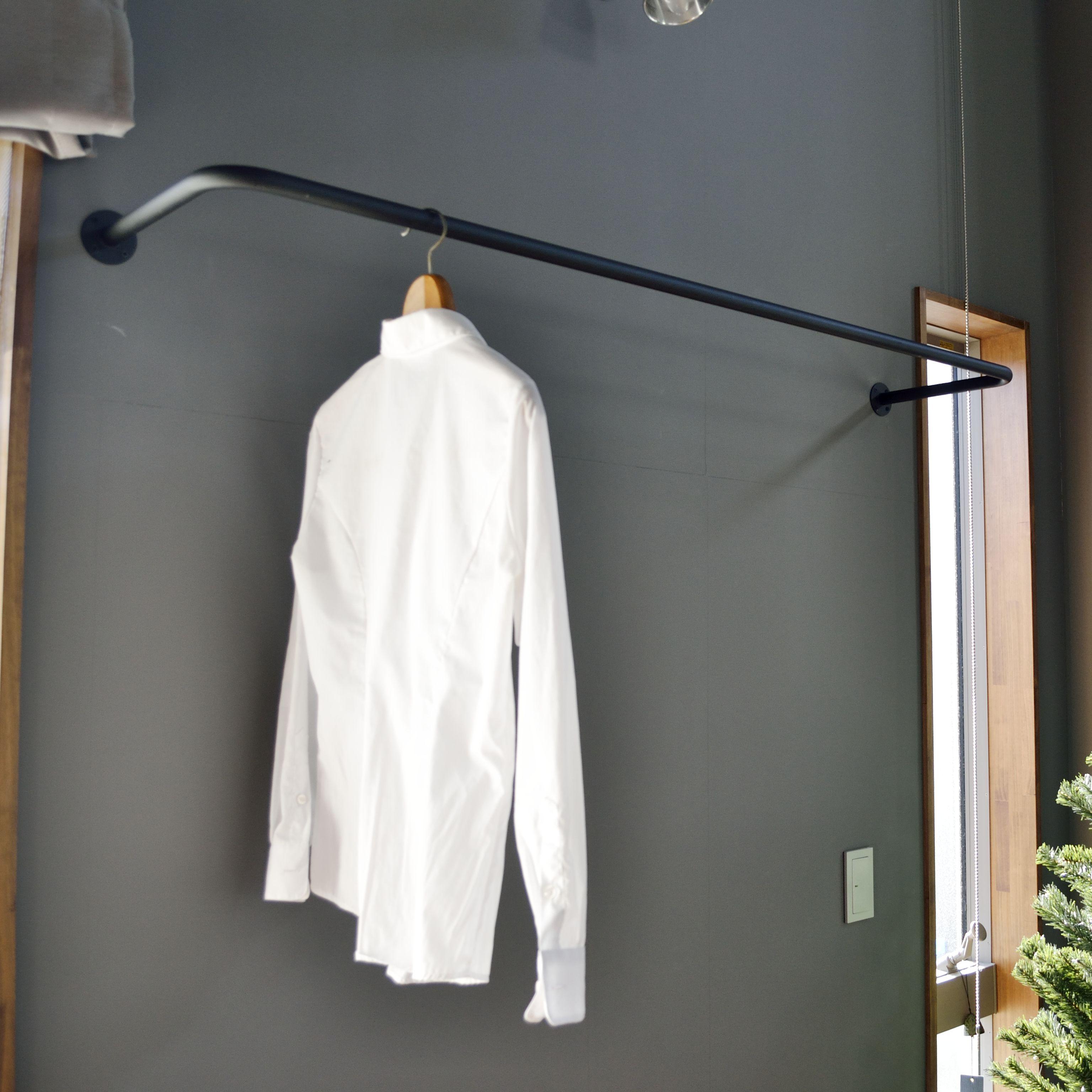 アイアン製の物干しパイプ 壁付け 天井吊 洗濯 物干し 部屋干し