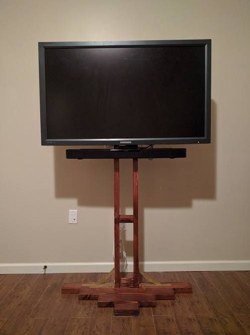 DIY flat screen tv stand on the cheap Check out the full ...