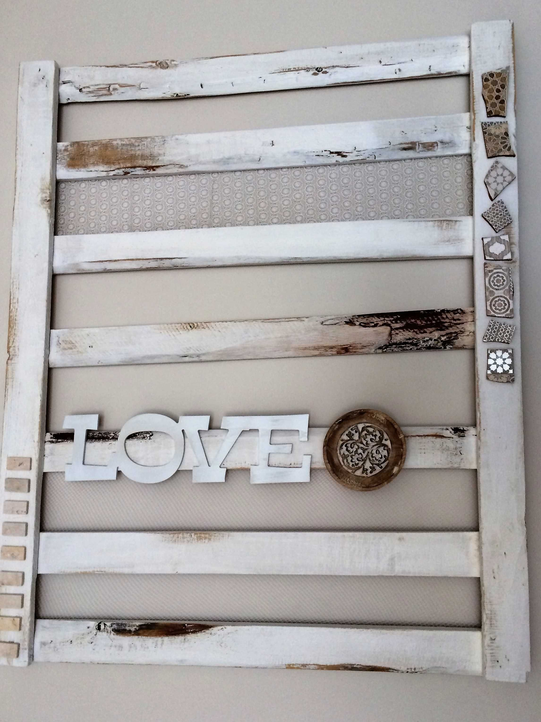 Decorative flat pallet for indoor lounge wall pallets walls and