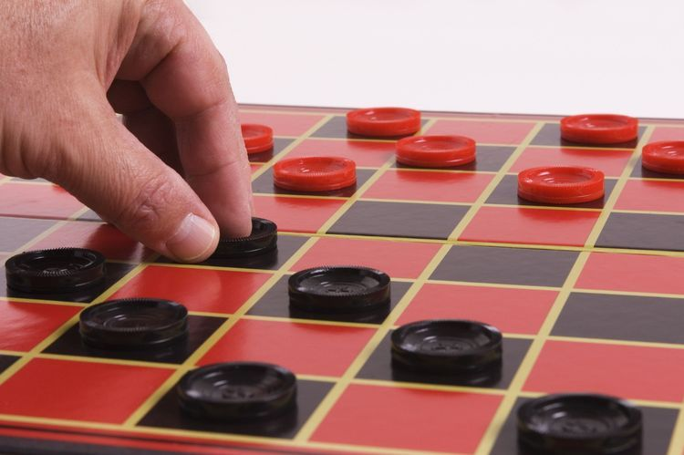 How Beginners Can Win At Checkers Following Simple Strategies Checkers Classic Board Games Board Games