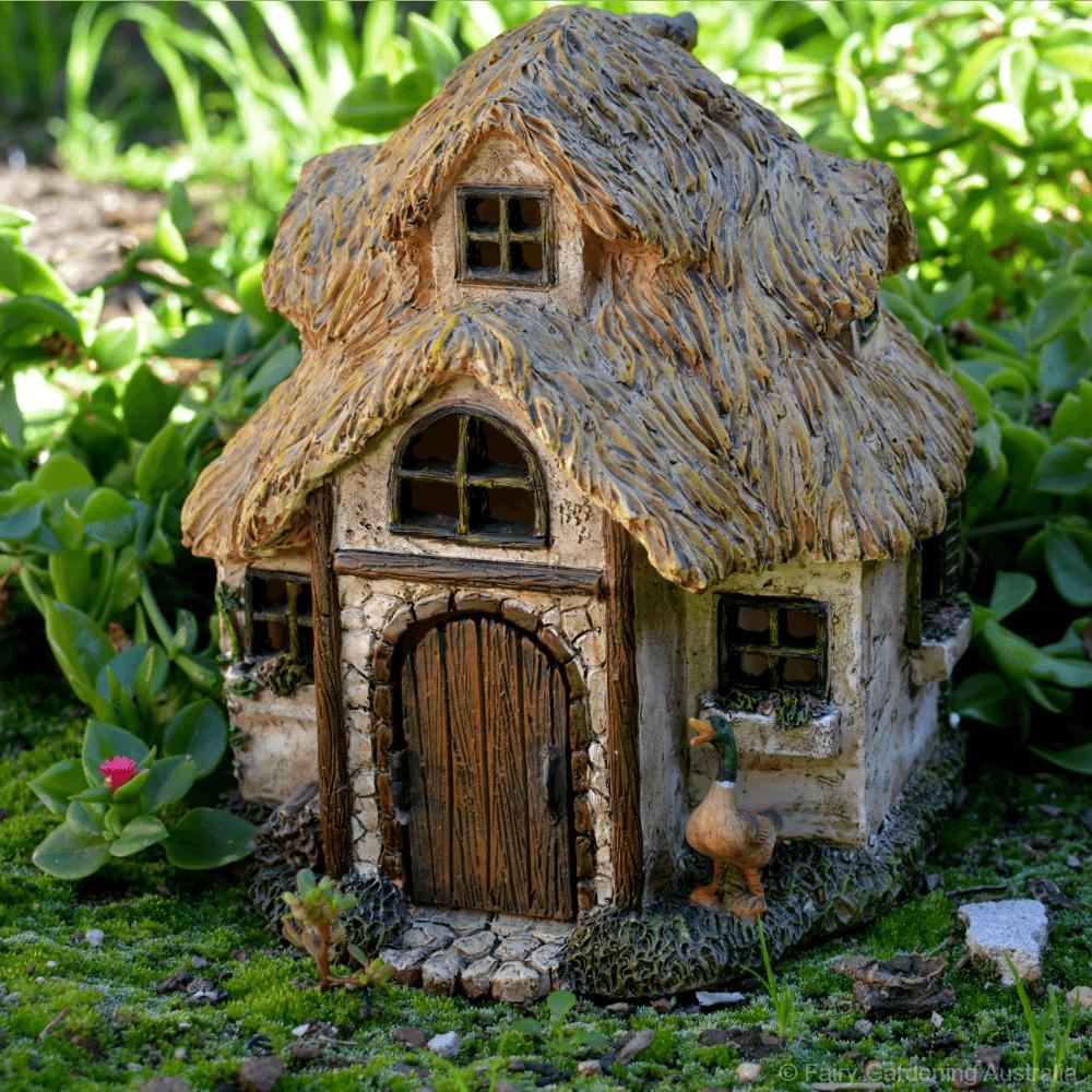 Cotswold Cottage   Mini jardines, Bonsais y Duendes