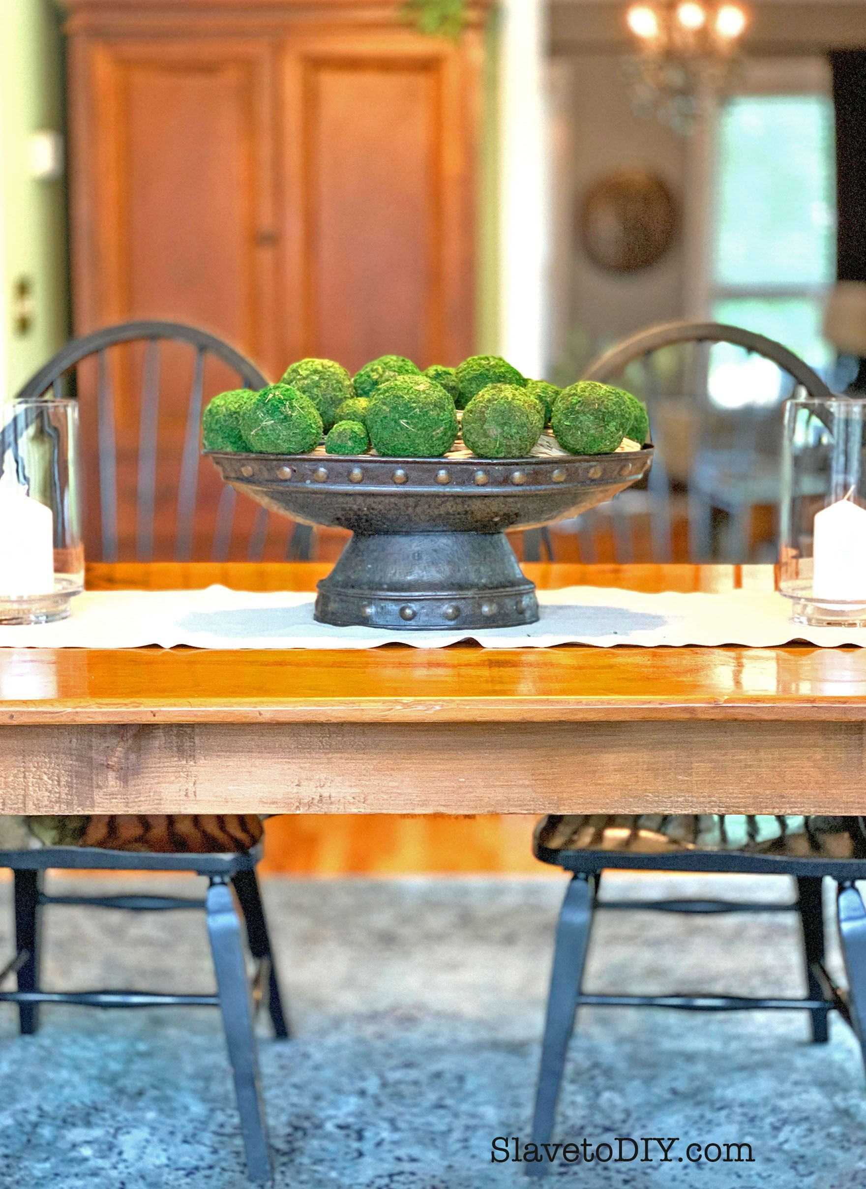 Neutral Dining Table Centerpiece On A Dime Flea Market Centerpiece Paired With Awesome Reasonable Moss Ba Table Runner Diy Diy Table Dining Table Centerpiece