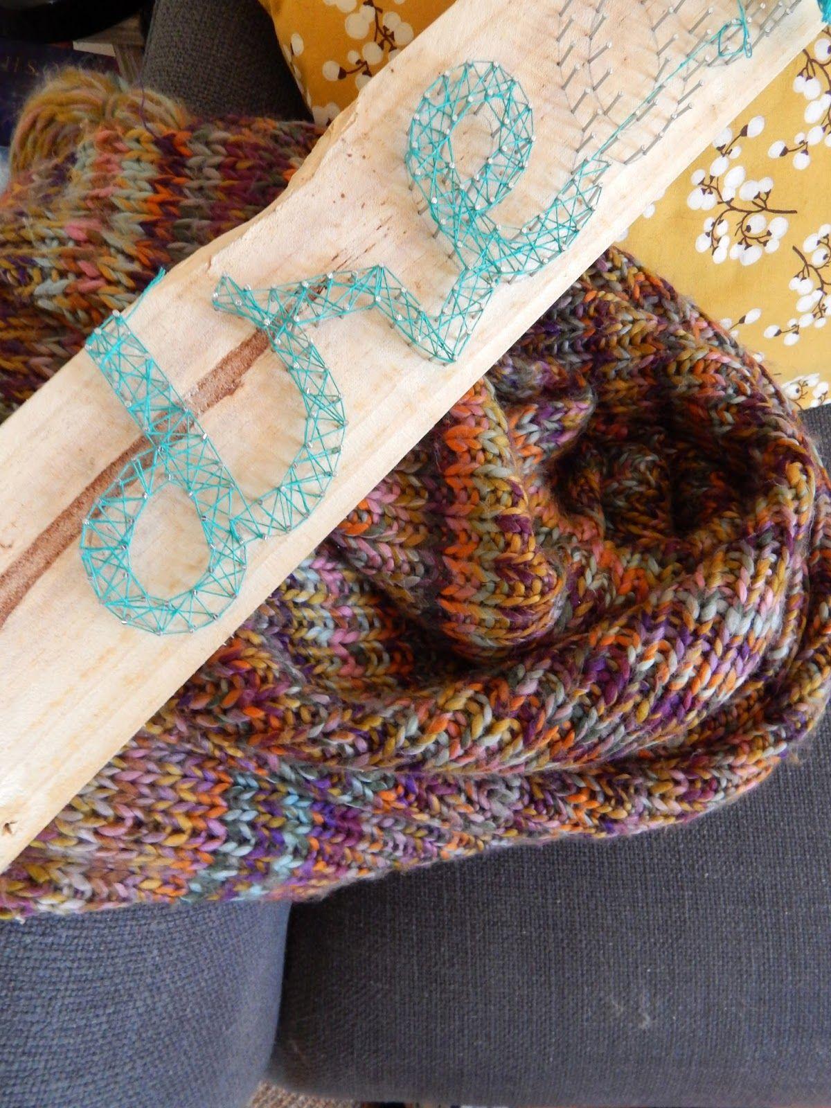 à la French: The living room: string art DIY