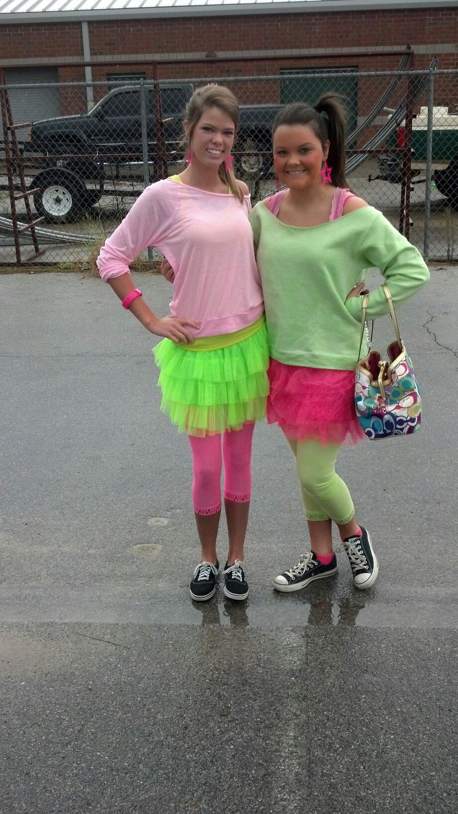 | Spirit week outfits, Decade day, Throwback thursday outfits