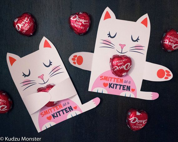 White Cat Valentine Classroom Candy Hugger Valentines Cute Girly Kitten Individual Candy Valentine Card Valentine S Day Chocolate Holders Valentines For Kids Valentine Candy Valentine S Cards For Kids
