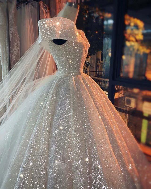 Princess Style Glitter Wedding Dresses 2020 Ball Gown In 2020 Sparkle Wedding Dress Ball Gowns Wedding Sparkly Wedding Dress