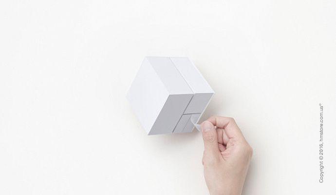 🌄 «Block Memo» от «Nendo»   «Block Memo» – это минималистский дизайн, созданный дизайнерской студией «Nendo» из Токио. Этот предмет для заметок разделен на три разных части стикеров, которые вместе создают форму куба. Стикеры разных размеров имеют форму квадрата, большого прямоугольника и маленького прямоугольника.  📖 Читать подробнее: http://hmstore.com.ua/blog/kreativ/block-memo-ot-nendo  #креатив #предмет_для_заметок_block_memo #nendo #минималистский_дизайн