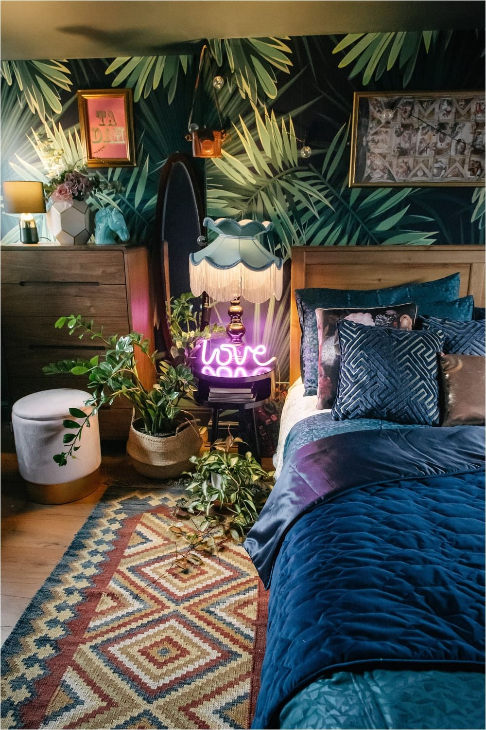 Every Room Of This London House Is An Explosion Of Envy Inducing Color And Pattern In 2020 London House Boho Chic Living Room Apartment Room