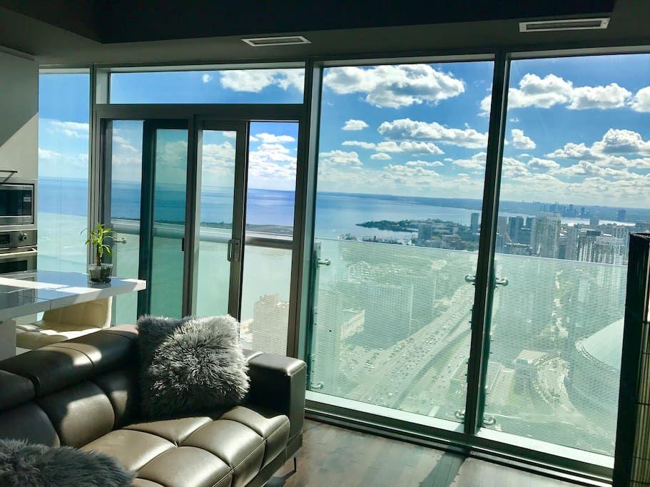 Entire home/apt in Toronto, Canada. Sleek, modern design ...