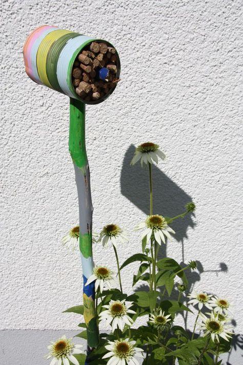 Photo of Insekthotell på en pinne.