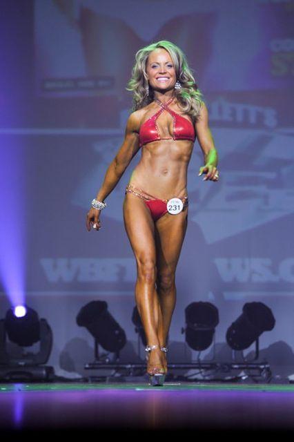 ERIN MOUBRAY Raw Vegan Bikini Fitness Model. Full