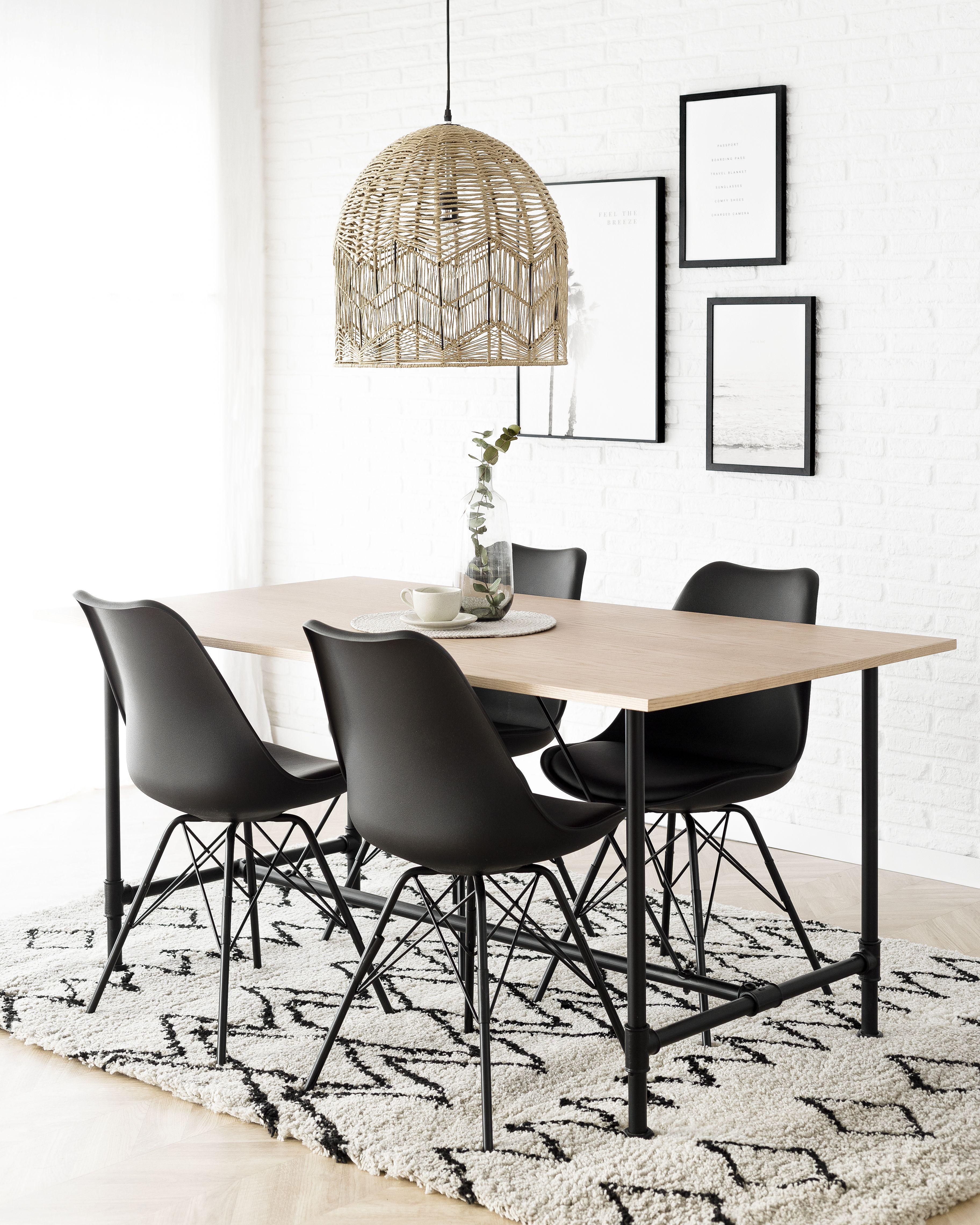 mesa comedor y sillas negra