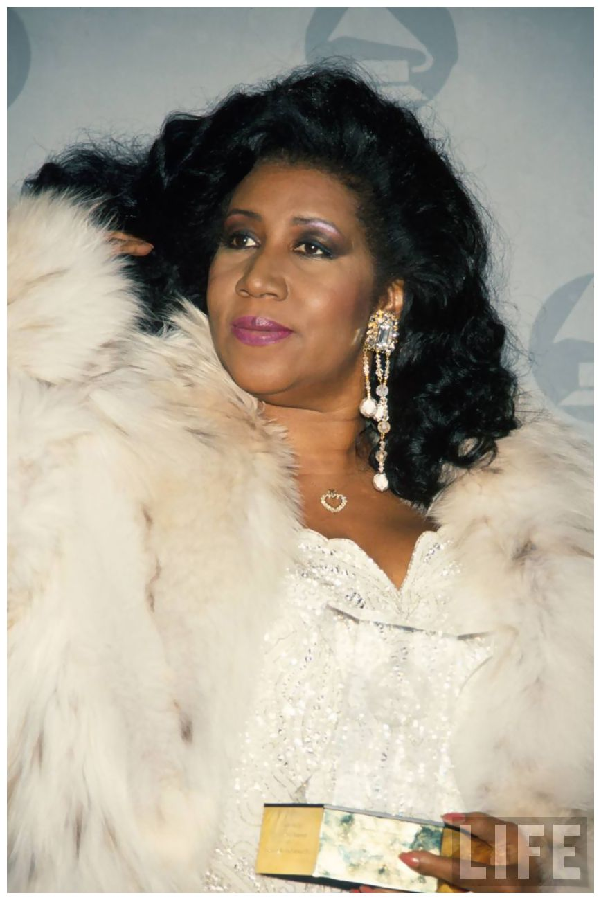 singer-aretha-franklin-at-grammy-awards-1990.jpeg (868×1300)