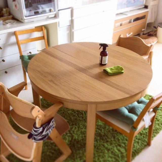 集いたくなるダイニングには、IKEAのテーブル&チェアを