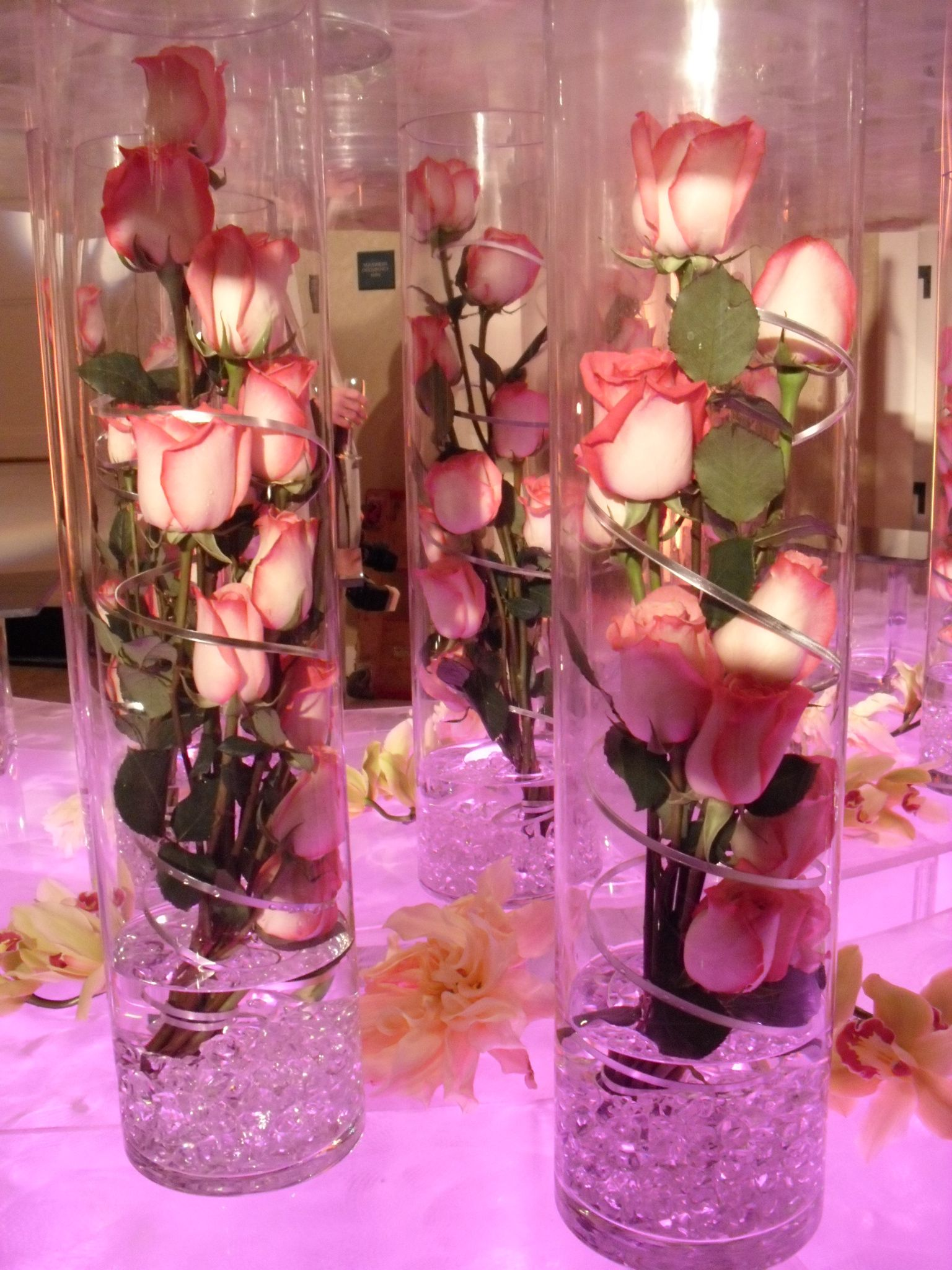 Centros De Mesa Economicos Y Originales Pink Roses Flower Arrangement For Wedding And Events