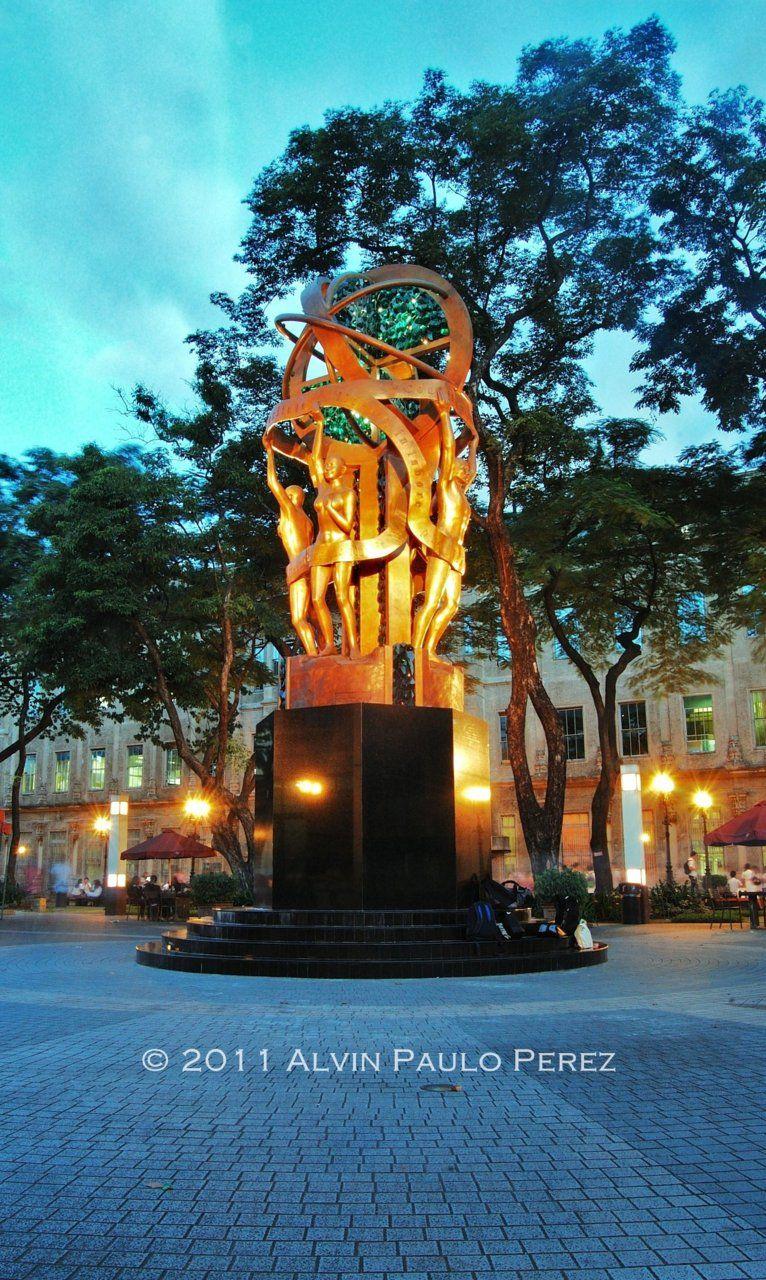 Monumentos y esculturas creativas de diferentes países. - SkyscraperCity