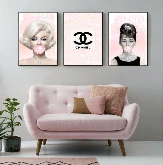 Photo of Galleria d'arte Chanel – Set di stampe FISICHE – Set di 3 stampe della galleria di moda – Arte della parete di moda – Stampa di Audrey Hepburn – Marilyn Monroe