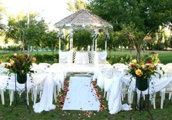 A Secret Garden Http Www Asecretgardenwedding Weddings Offers 10