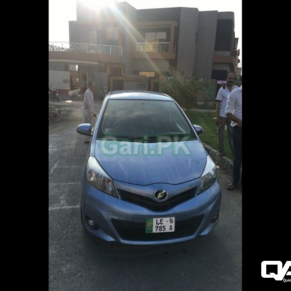 Toyota Vitz F 1 0 2013 For Sale In Lahore Lahore Buy Sell Quicklyads Pk Toyota Subcompact Blue Bodies