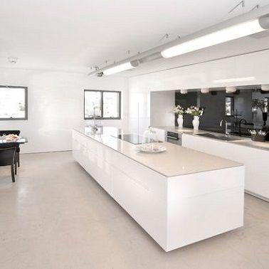 4 styles déco pour une cuisine blanche | Ilot central, Ilot et Central