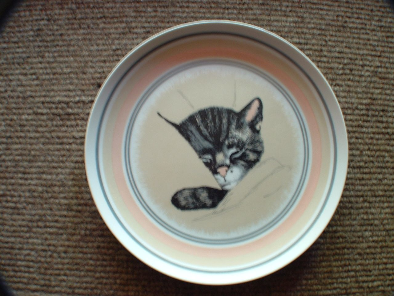 A Little Soap Dish To Keep The Vanity Clean Crazy Cats Vintage Cat I Love Cats