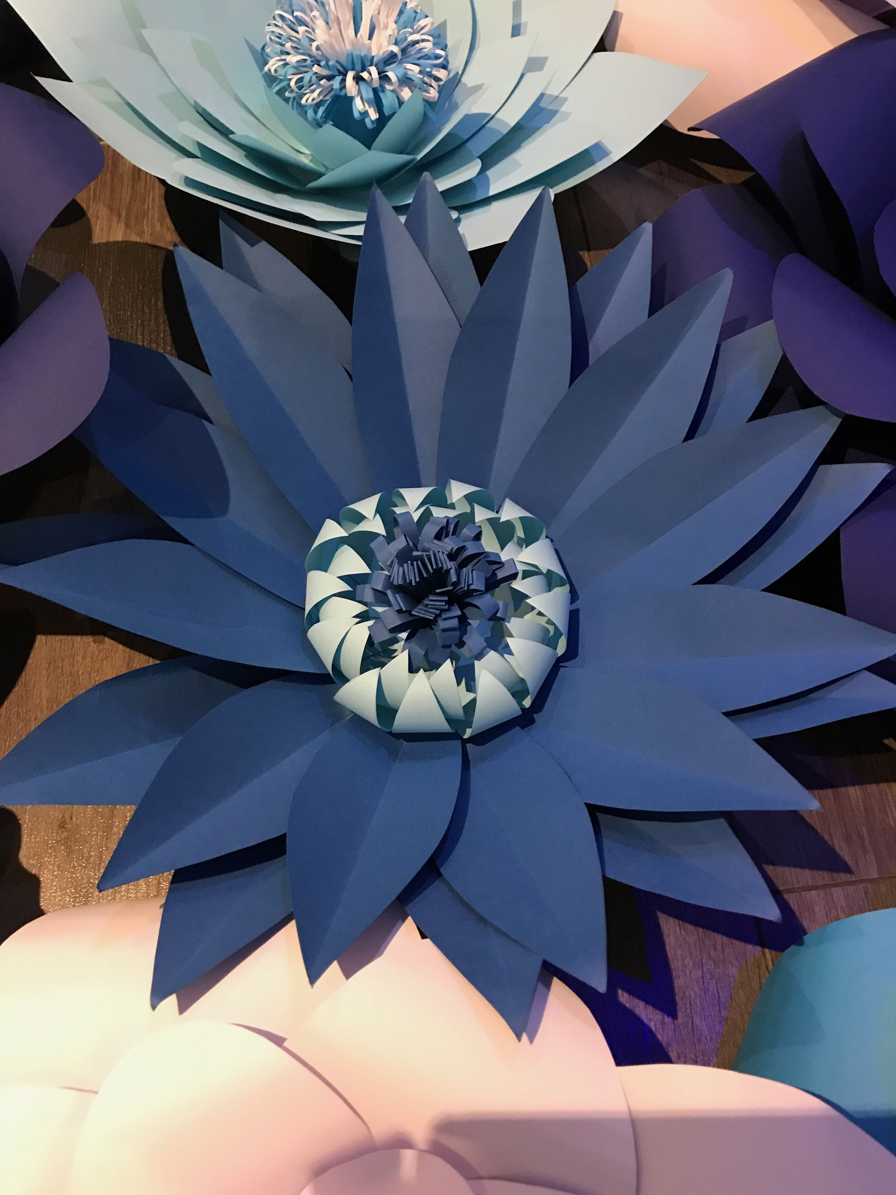 Pin By Poonehdehghani On Paper Flowers Pinterest Flowers Diy