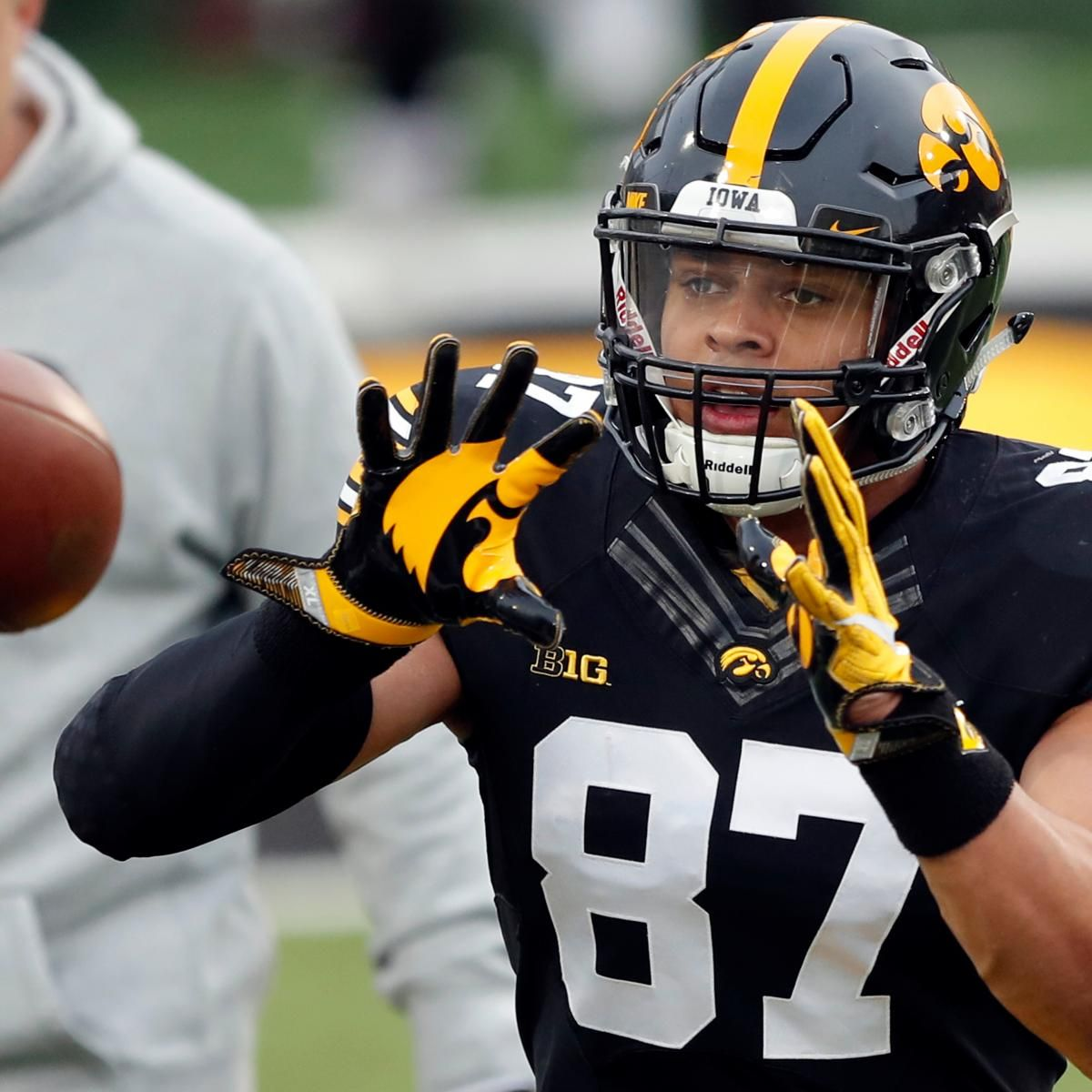 2019 NFL Mock Draft Predictions for Mid1stRound