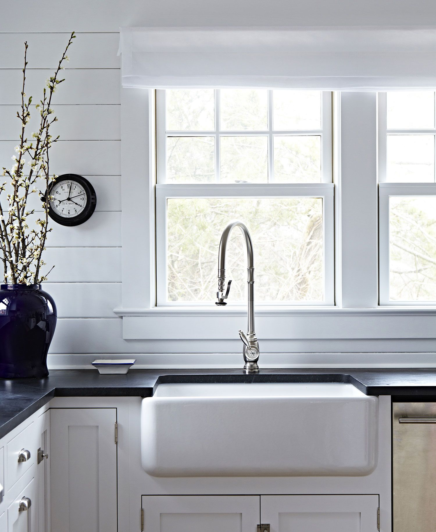 Bay Head Beach Bungalow || Farmhouse Sink & Black Countertops ...