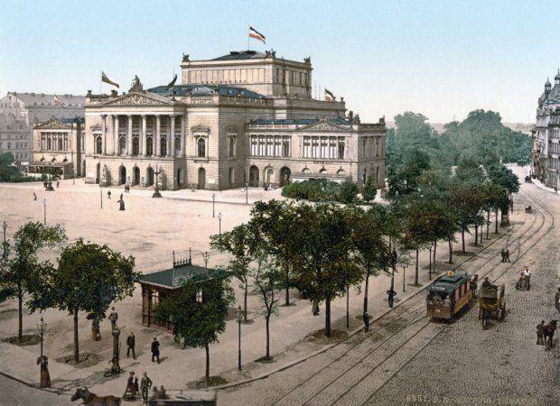 Klatwa Kanta Fabjanski Idzie I Filozofuje Odcinek 1 In 2020 Wonders Of The World Vintage Architecture Architecture Old