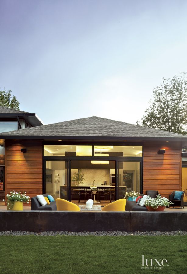 Exterior House Designs Exterior Modern With Concrete Patio Flat Roof: To Create A Seamless Transition Between The Indoors And Out, Wilding Raised The Back Patio And C
