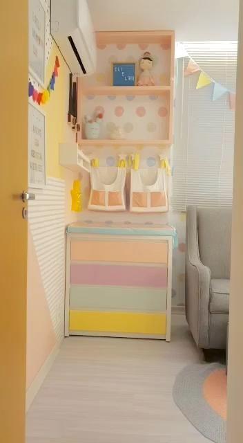 Larissa irá ganhar uma irmãzinha, a Olivia. Desenvolvemos para elas um quartinho lindo, todo colorido e cheio de funcionalidade. O resultado foi um quarto maravilhoso, que toda criança gostaria de ter.  #quartodecriança, #quartodebebe, #quartoinfantil, #decor, #ideias, #decoraçãoinfantil, #quartodemenina, #kidsdecor, #babyroom