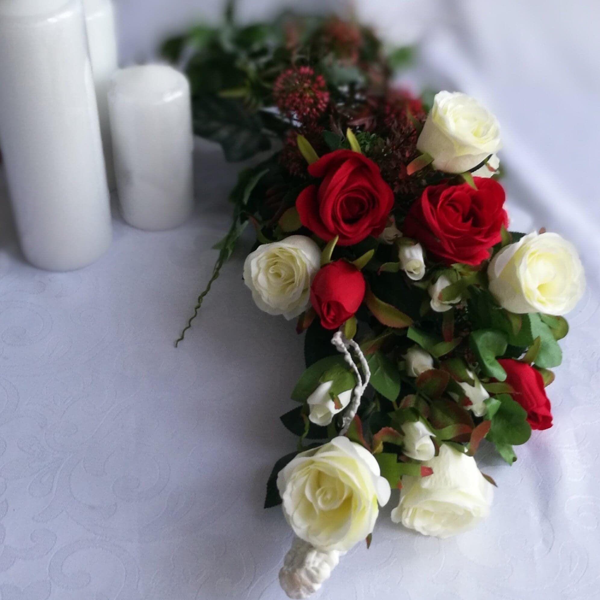 Stroik Na Cmentarz Z Rozami Nr 77 Swiateczne Atelier Flower Arrangements Table Decorations Funeral