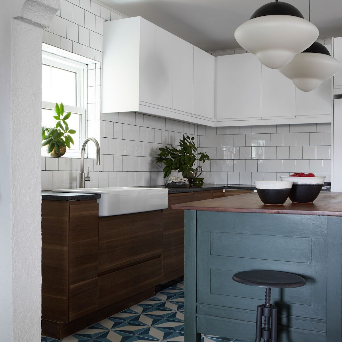 12 Of The Best Interior Design Blogs To Bookmark Right Now Classy Kitchen Kitchen Design Small Best Interior Design Blogs