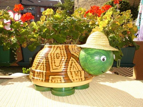 mes bonhommes en pots de fleurs photo 3 pots en terre. Black Bedroom Furniture Sets. Home Design Ideas