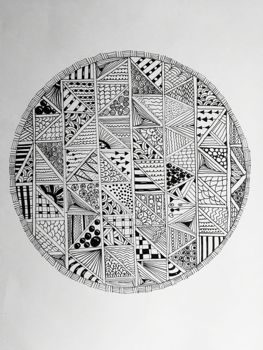 Triangles in a circle zentangle