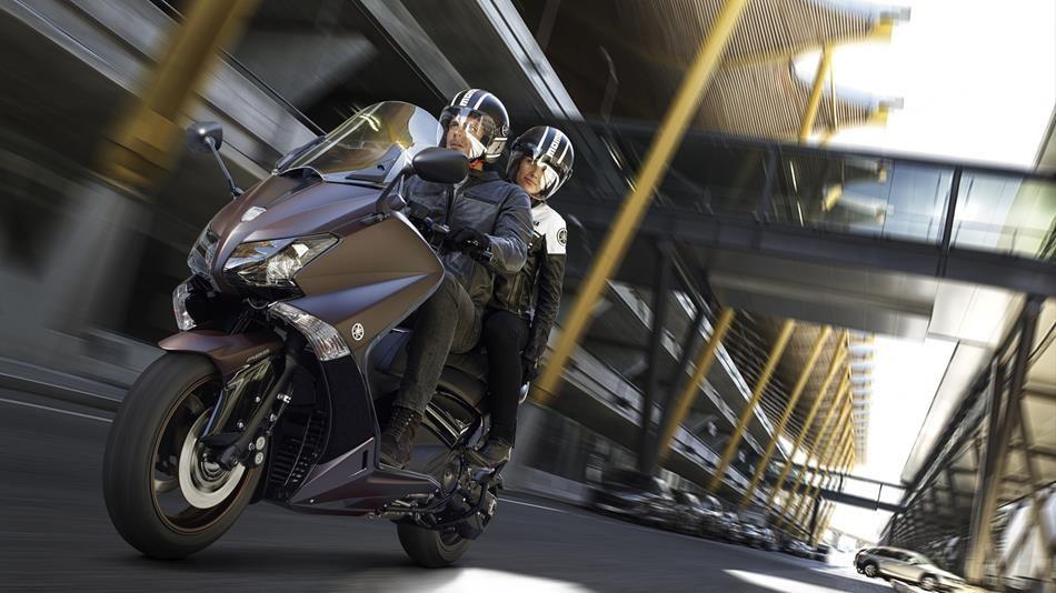 Yamaha TMax. Ora niente e nessuno potrà separarvi.  Nessuno osi separare ciò che Yamaha ha unito.  http://lnx.rima-moto.it/moto/46-moto-nuove/751-yamaha-tmax-ora-niente-e-nessuno-potra-separarvi
