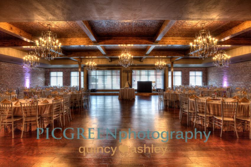 The Stanley Aspen Room Location Lee S Summit Mo Venue Type Indoor Accommodates Up Kansas City Wedding Venues Cheap Wedding Venues Free Wedding Venues
