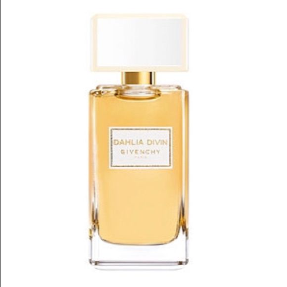 4ce553268780 Givenchy Dahlia Divin 1.0 Oz. Edp Parfum.